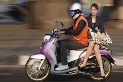 Bangkok Girls on Bikes